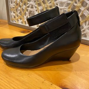 BNWOT Clarks Wedge Heels Leather Size 7